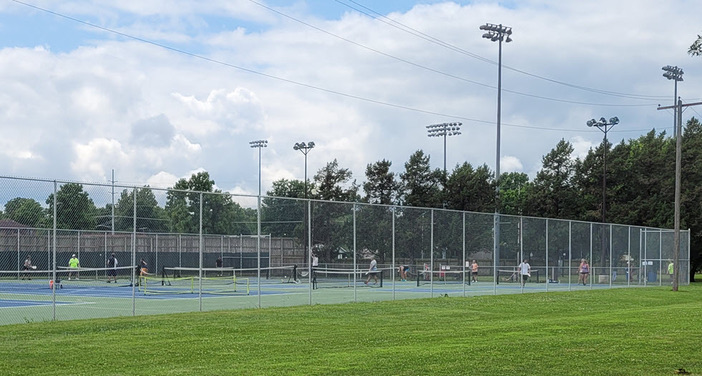 pickleball courts at meador park